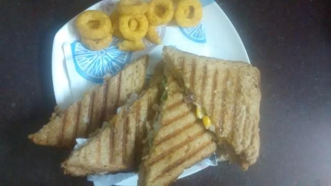capsi-corn sandwich
