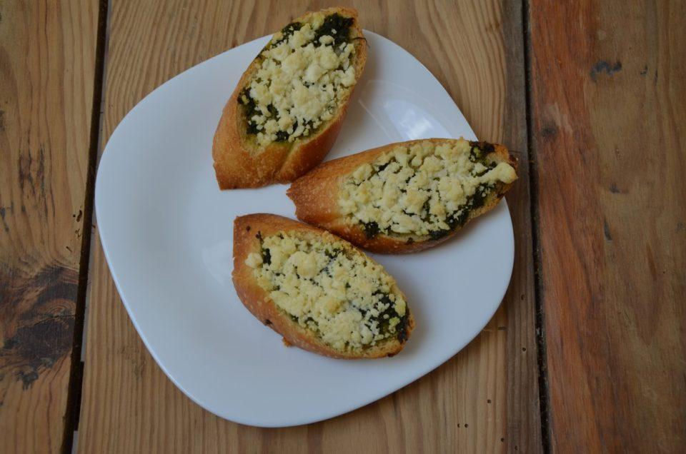 bruschetta-with-pesto-and-goats-cheese